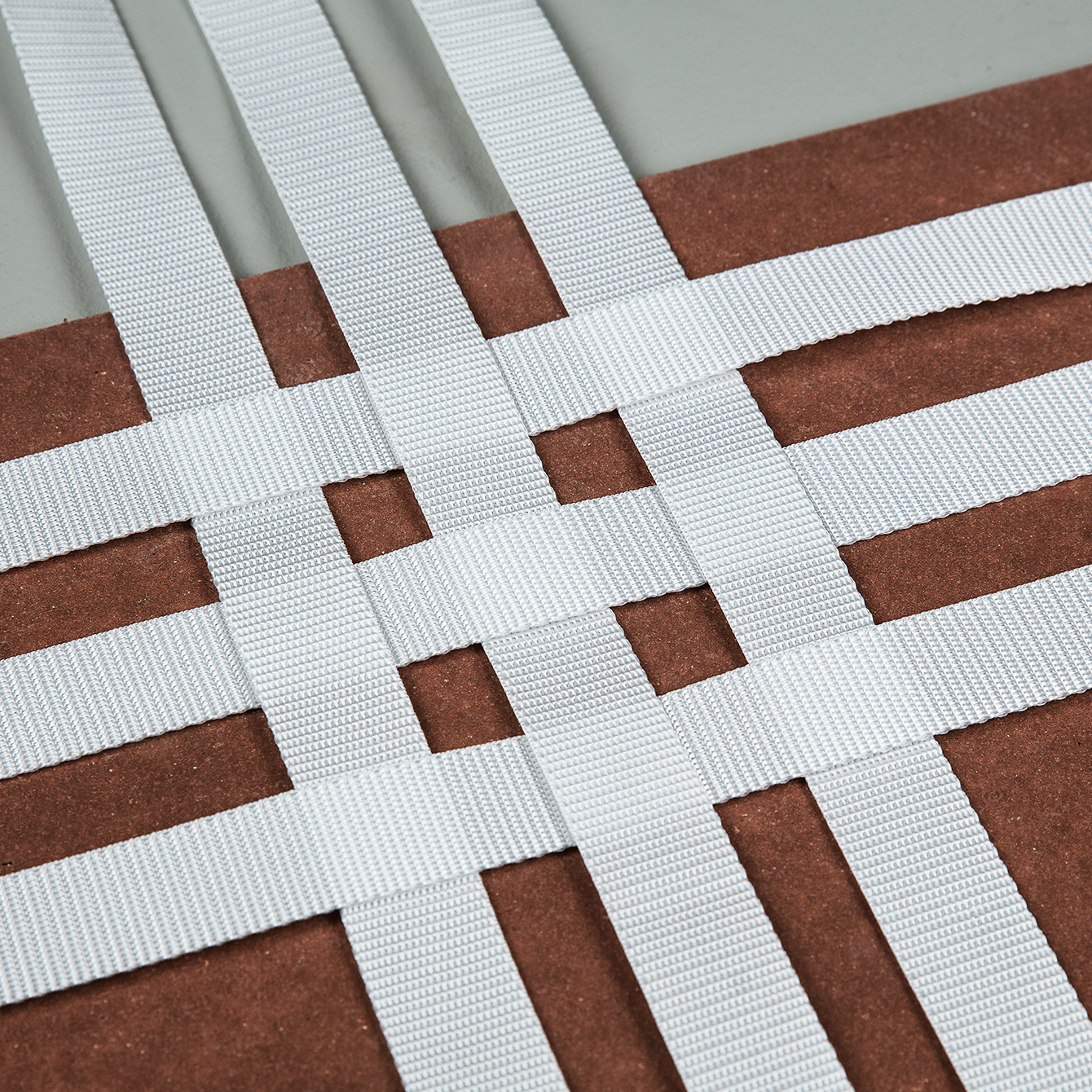 Woven technical straps and tape